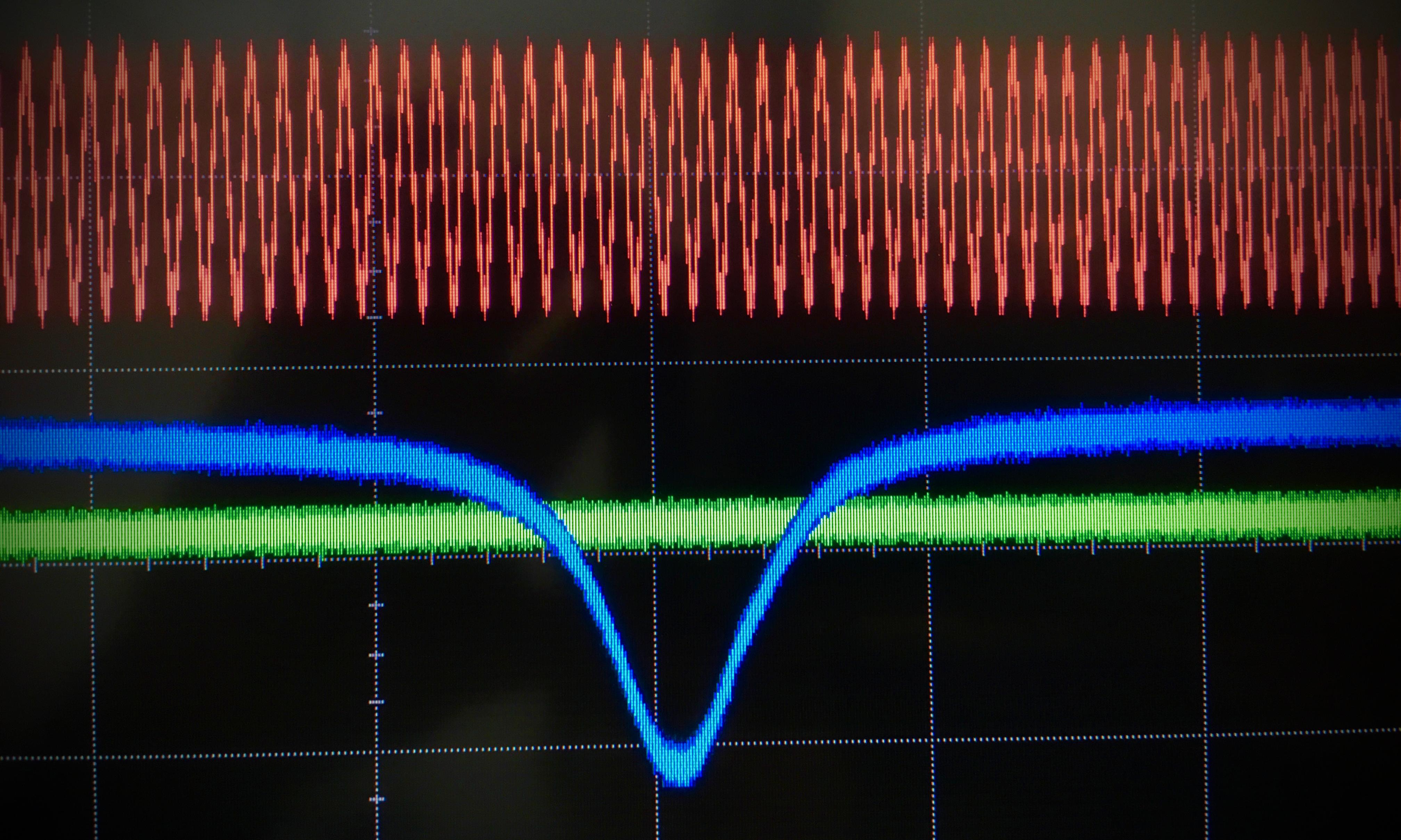 High-Q optical mode of microsphere resonator